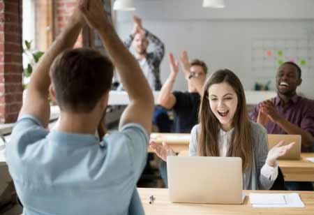 3 Reasons to Implement Reward Technology in Workplace